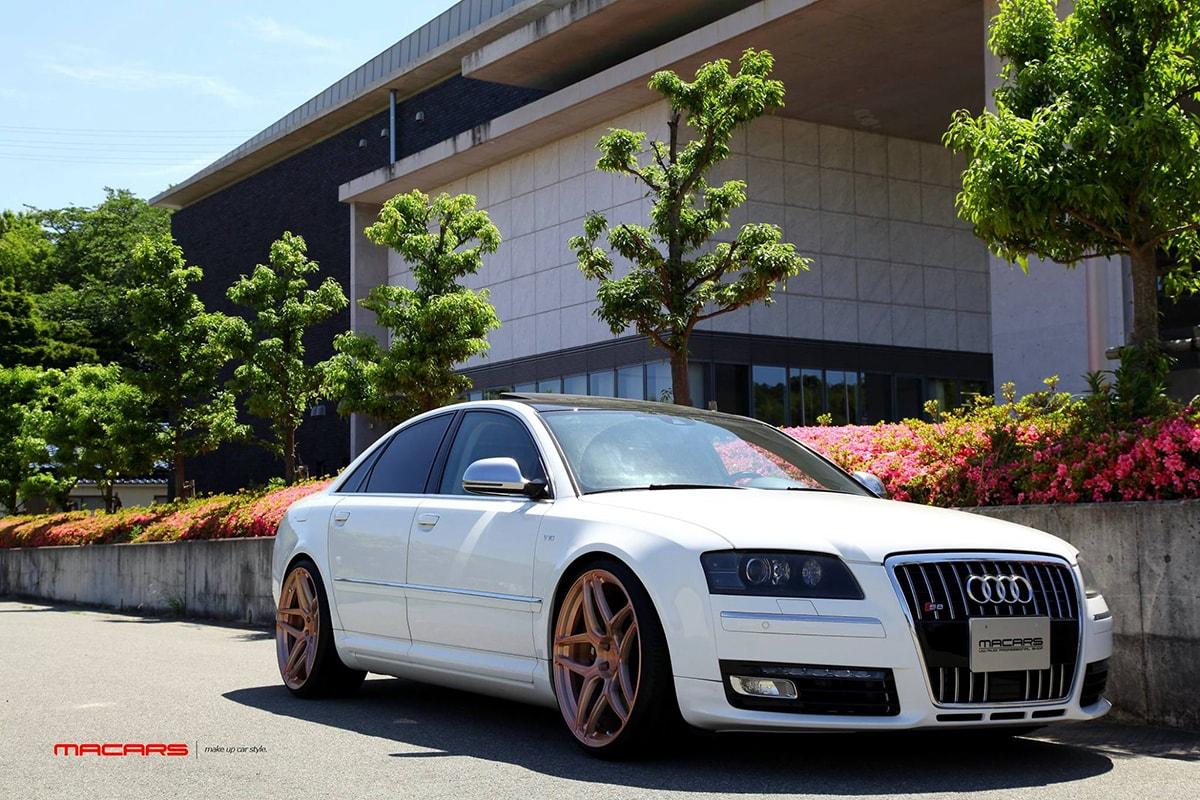 Audi S8/4E V10