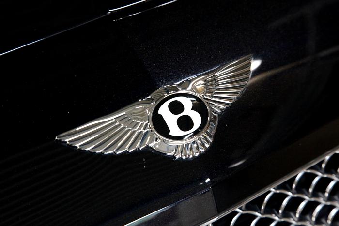 Bentley Continental GT & 各種カスタムペイント+ロアリング+スペーサー+TEXAエアコンガスリフレッシュ施工!!