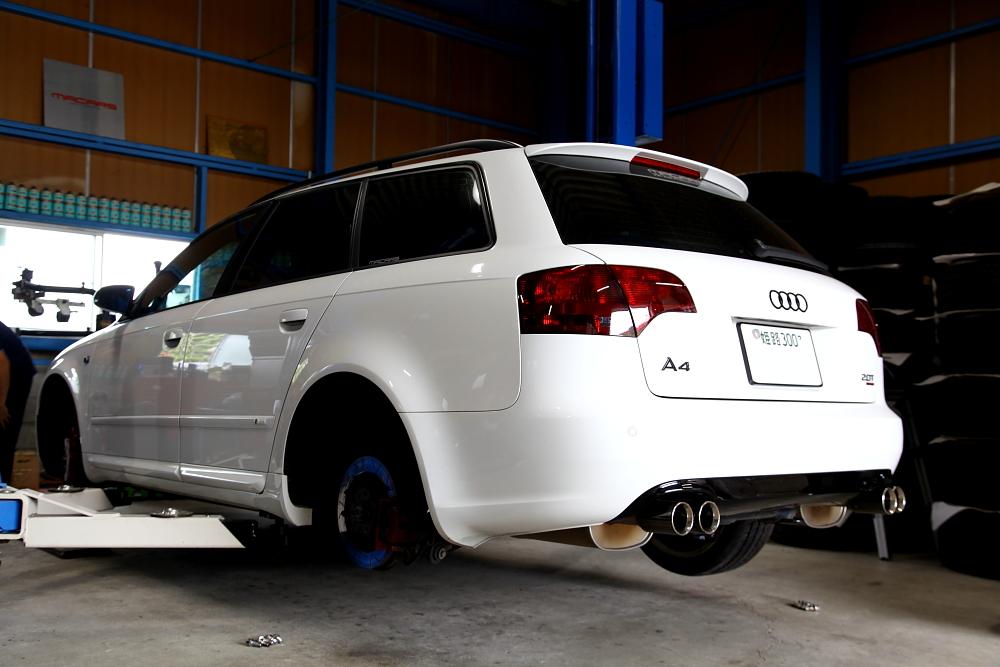 Audi A4/B7 & オイル交換+タイヤ交換!!