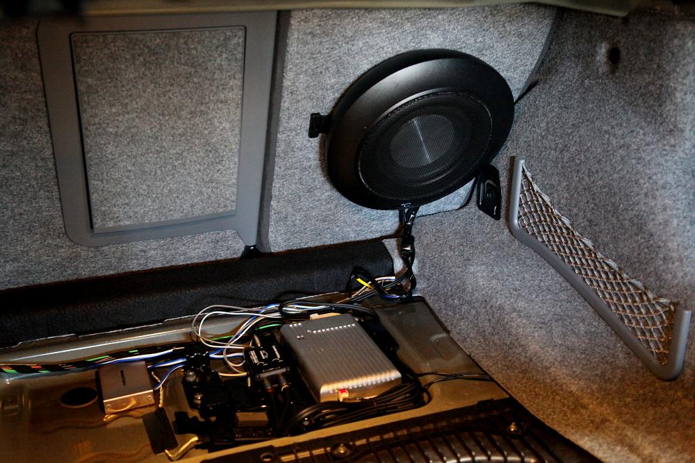 BMW E92/M3 & LAYERED SOUNDウーハー+YUPITERUレーダー+メンテナンス!!
