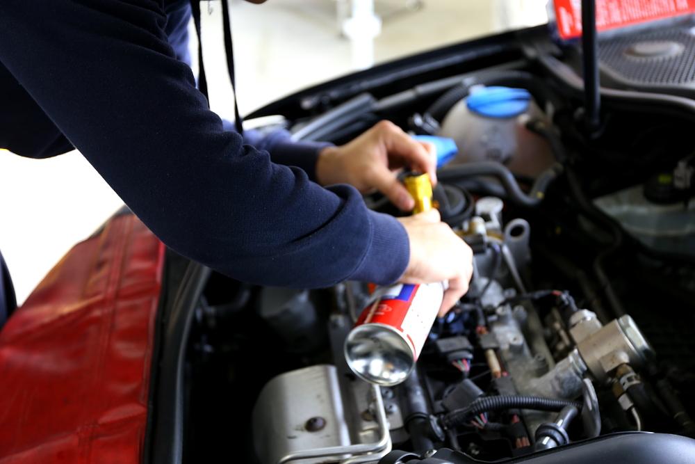 Audi A3/8P & 車検・メンテナンス+プラグ+オイル+タイヤ+バッテリー+エアコンフィルター交換!!