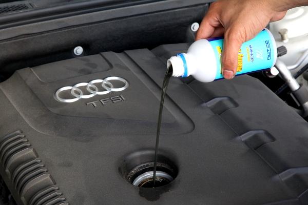 Audi A4/B8 & 車検・オイル交換・メンテナンス・タイヤ交換・アライメント調整!!