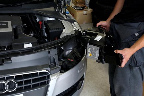 Audi TT/8J & US仕様TTSヘッドライト装着!!