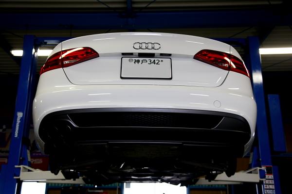 Audi A4/B8 & オイル交換+ホイール交換!!