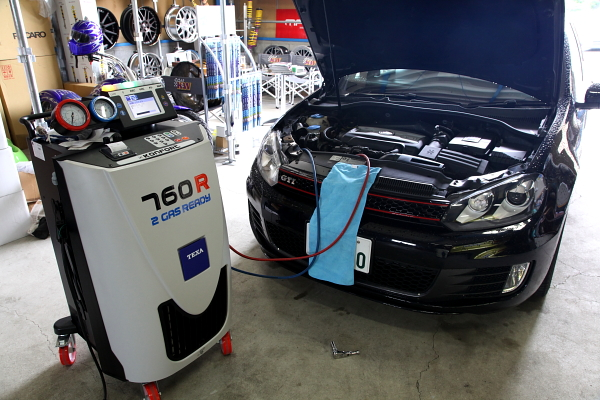 VW MK6/GTI & エアコンメンテナンス+消臭+ワイパー+エンジンオイル交換!!