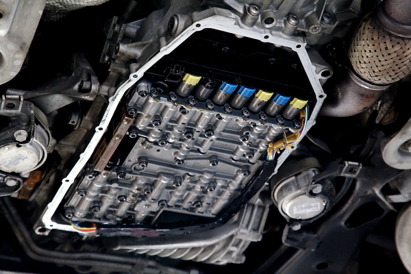 Audi A4/B7アバント & メンテナス+KWオーバーホール!!