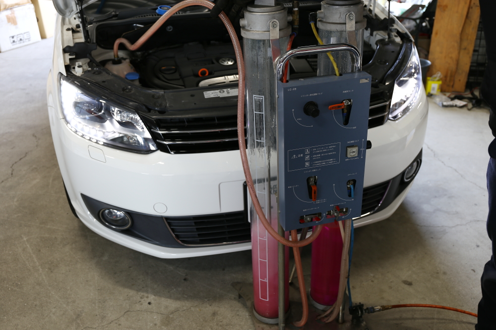VW TOURAN & GOLF5 US+車検・メンテナンス!!