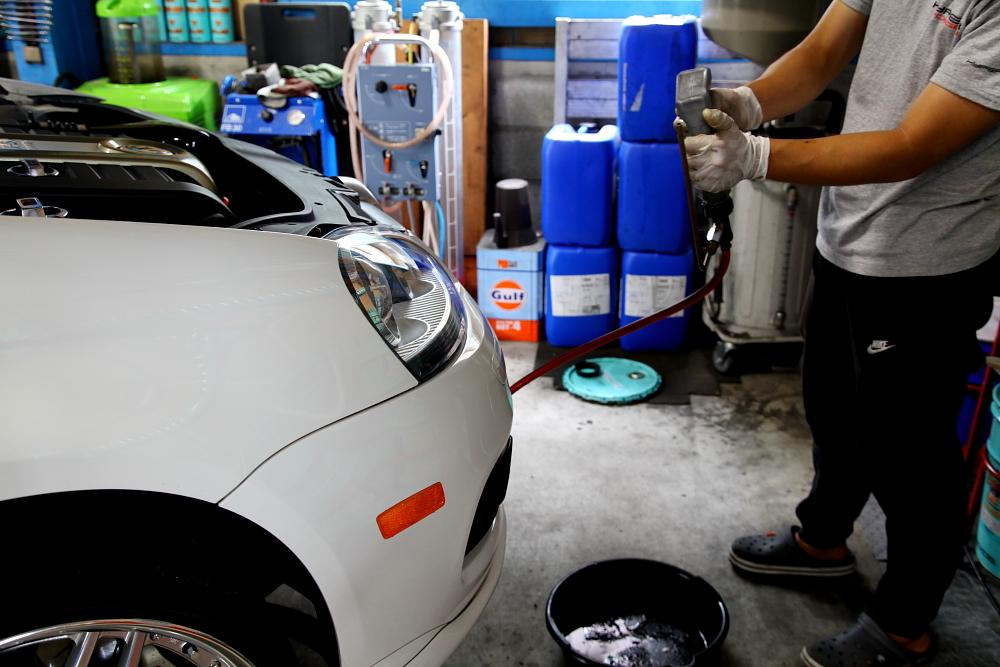 VW MK5/JETTA & メンテナンス+オイル交換+タイヤ交換+アライメント調整!!