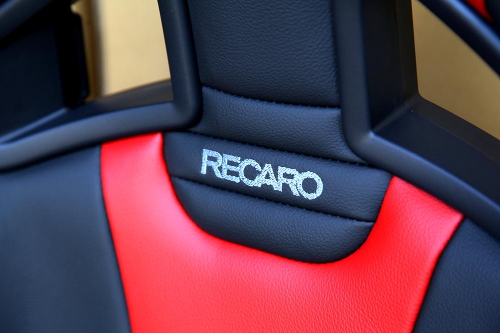 RECARO Sportster Limited Editionモデル入荷 & ドライカーボンバックシェル装着!!