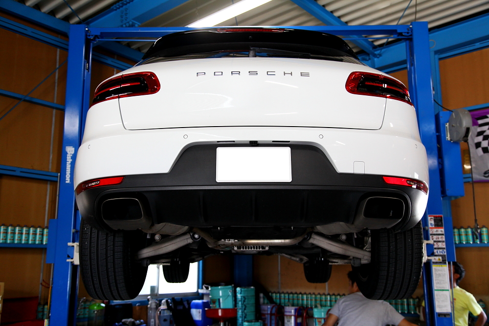 Porscheマカン+マカンターボ & cpm+オイル交換+LED!!