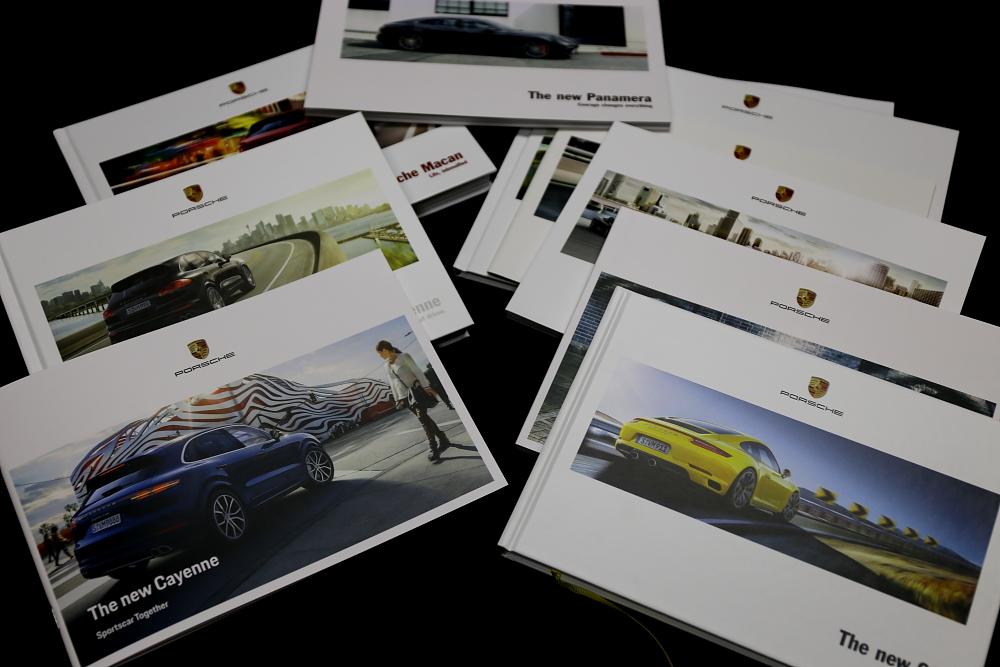 Porsche 718/Boxster & Porscheカタログ!!
