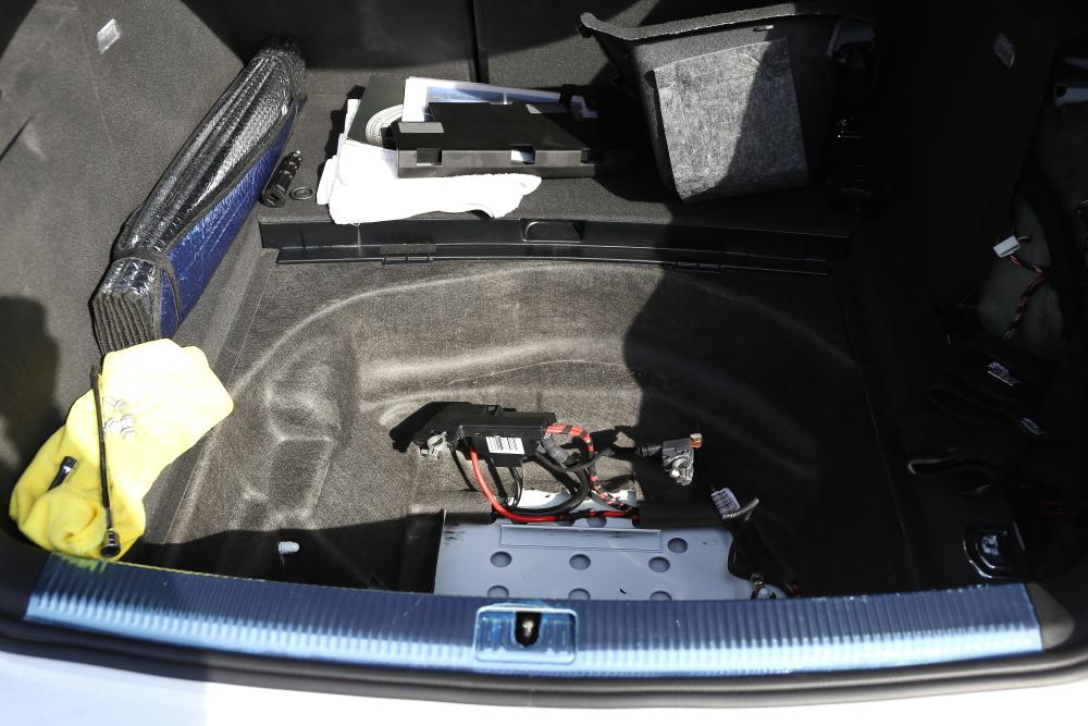 AUDI A7/4G & NUTEC オイル交換+VARTAバッテリー交換!!