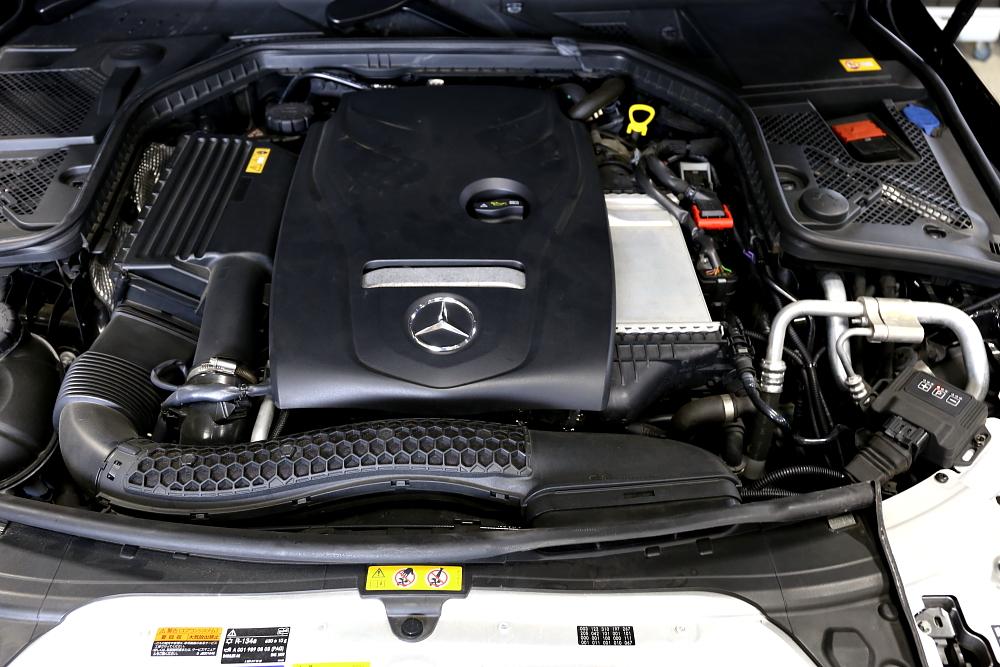 M-BENZ W205/C200 Sedan