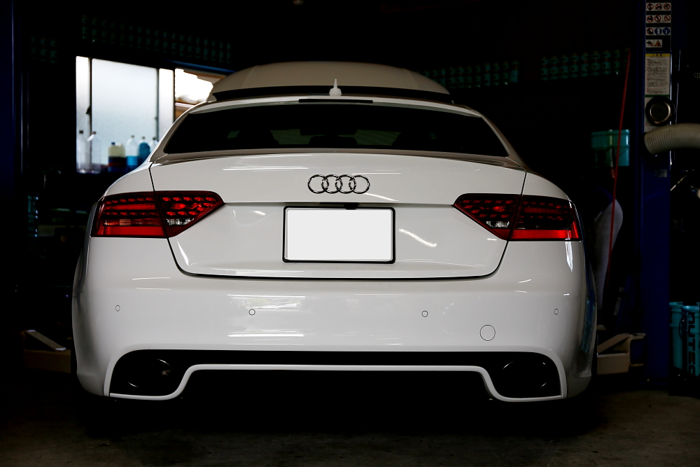 Audi RS5/8T COUPE & 車検・メンテナンス!!