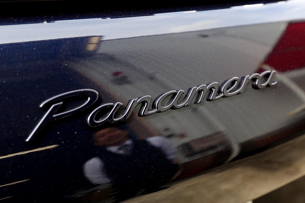 Porsche 新型Panamera!!