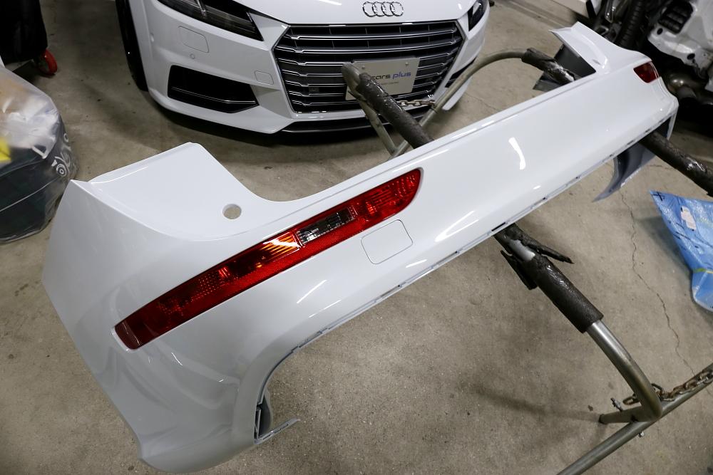 Audi SQ5/8R & 保険修理+ペイント+タイヤ交換+メンテナンス施工!!