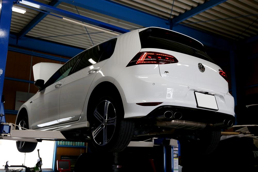VW MK7/GOLF-R & オイル交換+メンテナンス施工!!