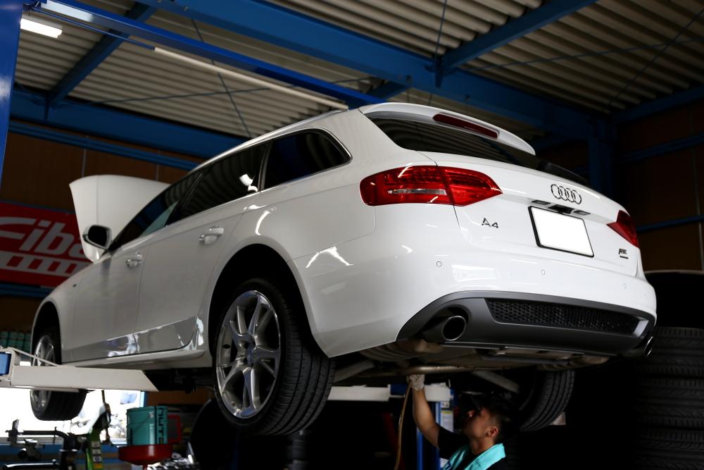 Audi A4/B8Avant & ATF/デフオイル交換+純正グリル交換!!