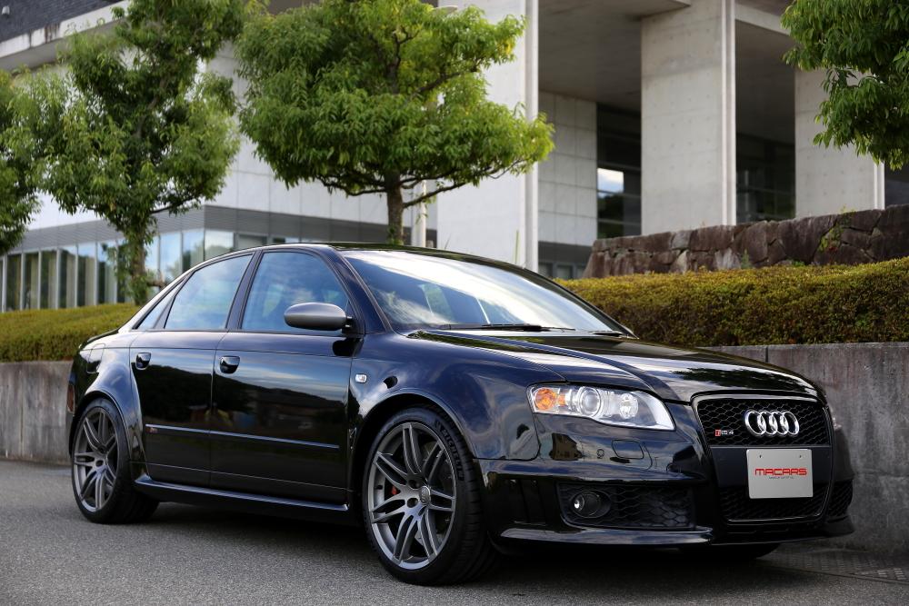 Audi RS4/B7 SEDAN
