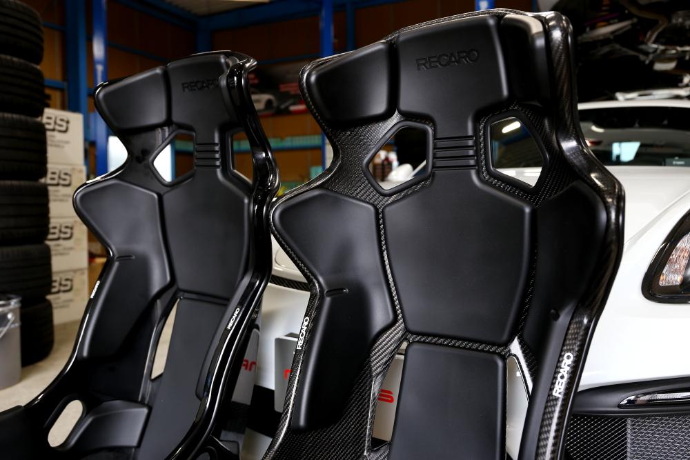 Porsche Cayman GT4 & RECARO RMS 2600A+2700A+6点式ハーネス+特注アダプター製作!!