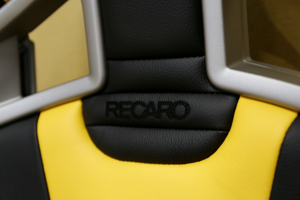 BMW E89/Z4 &RECARO Sportster Limited Edition Yellow version+トータルメンテナンス施工!!