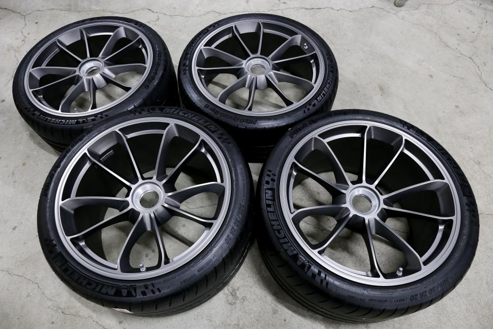 Porsche991カレラ4GTS & 991GT3純正ホイール+ブルーミラー!!