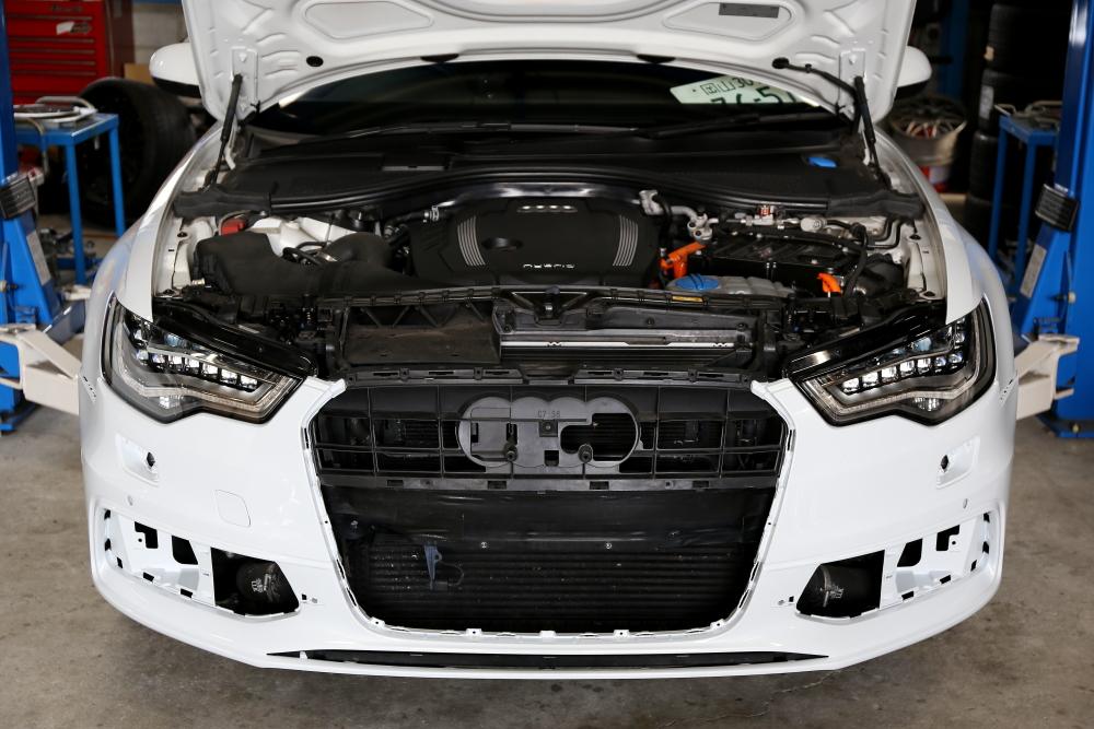 Audi A6/ハイブリット(C7) & S6純正F/バンパー+オイル交換+タイヤ交換+キャリパーペイント!!