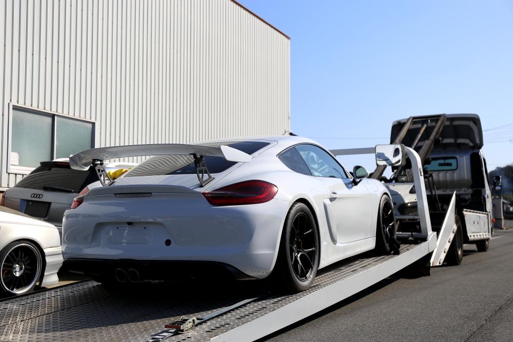 Porsche Cayman GT4 & Fenix Scratch Guard+CUP専用トーイングストラップ+ブルーミラー