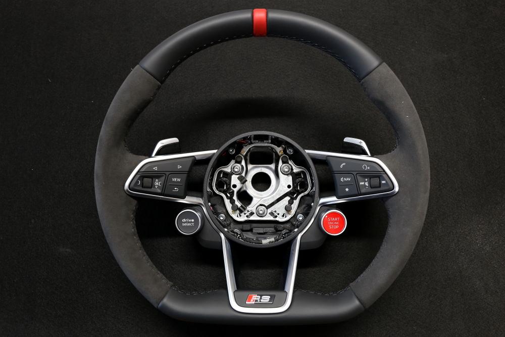 Audi TTS/8S & TTRS純正ステアリング+レザーコーティング施工!!