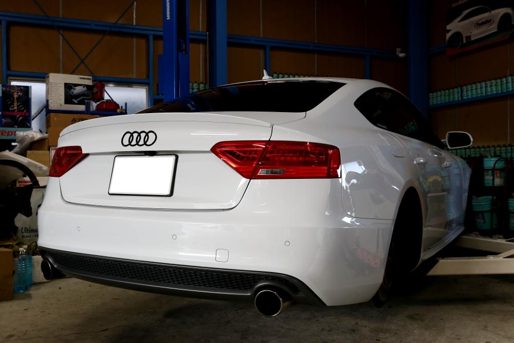 Audi A5/B8.5 SB & 車検整備+メンテナンス施工!!