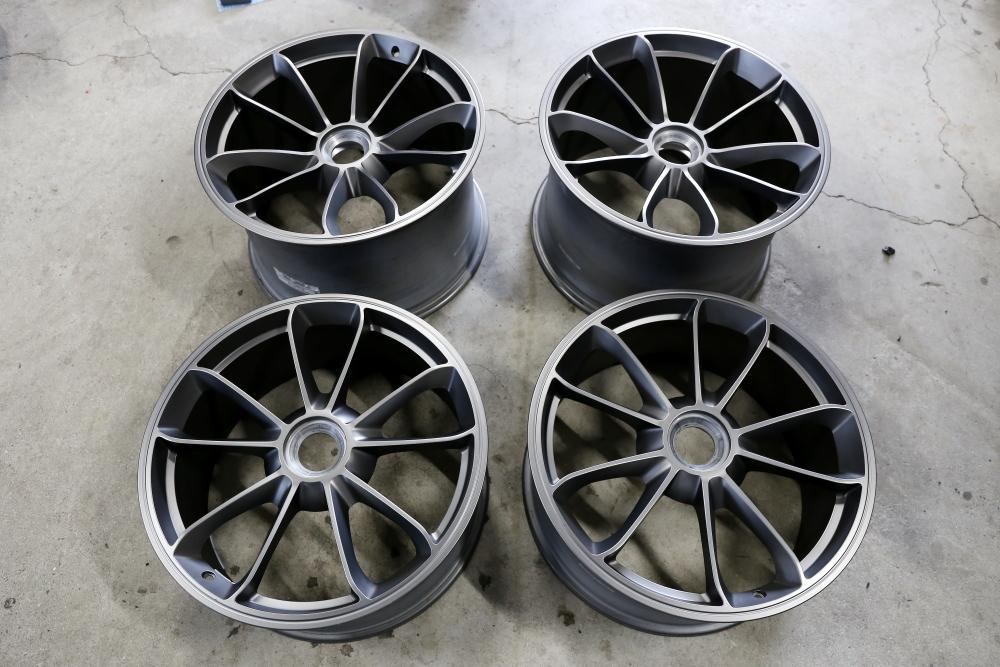 Porsche991/カレラ4GTS & Rdd製BIGローターKit+カスタムフィニッシュ変更!!