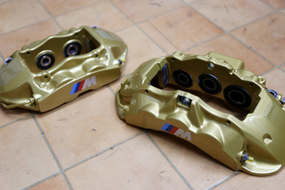 BMW F30/320d & Brembo+Rdd製ブレーキKit+3D Designパドルシフター+M Performance カーボンインテリア!!