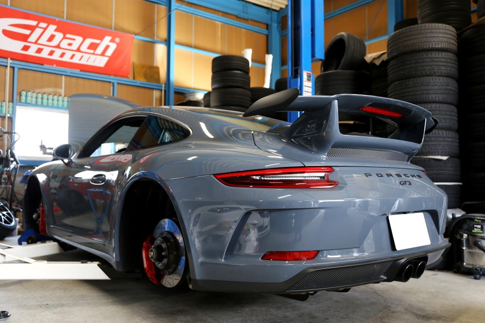 Porsche 991.2 GT3+BMW F10/523d & 車検・メンテンス施工+低ダストパッド!!