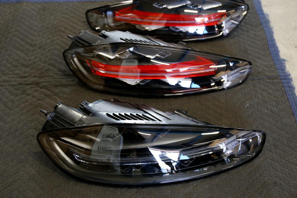 Porsche 718/Cayman-S & GTS純正テールライト!!