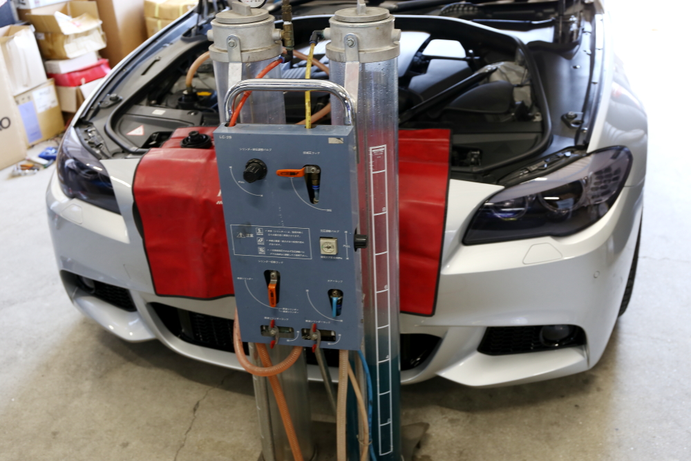 BMW F10/528 & メンテナンス施工+パーツペイント+カーボンスポイラー!!