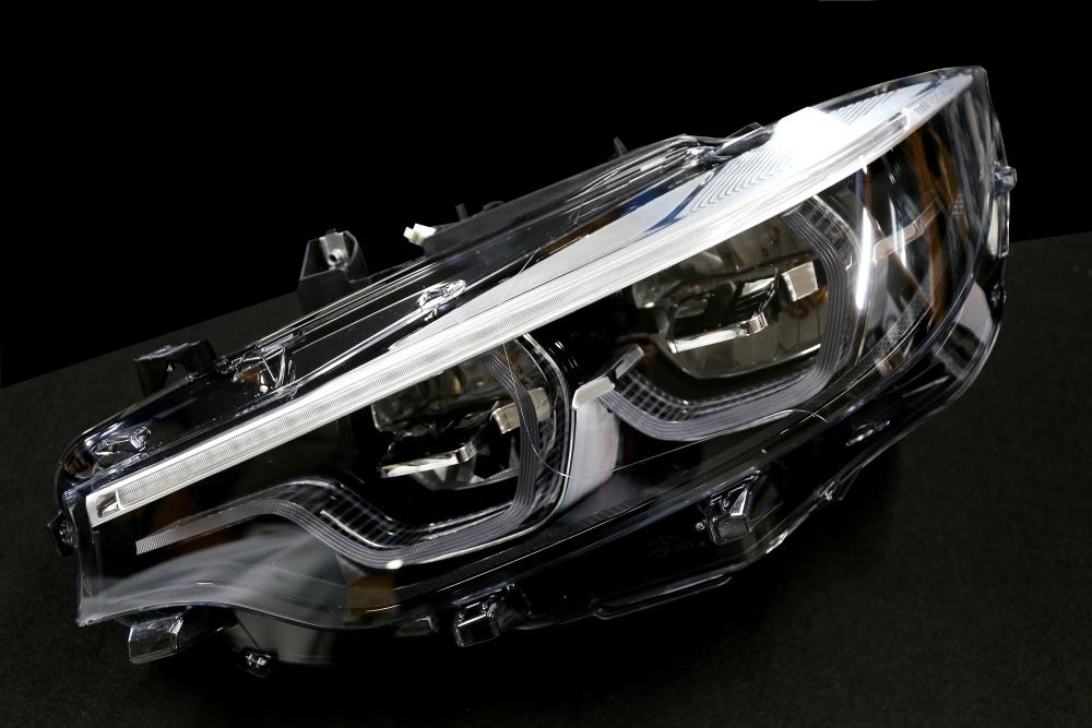 BMW F82/M4 GTS & 後期LCIアダプティブLEDヘッドライト+コーディング変更!!