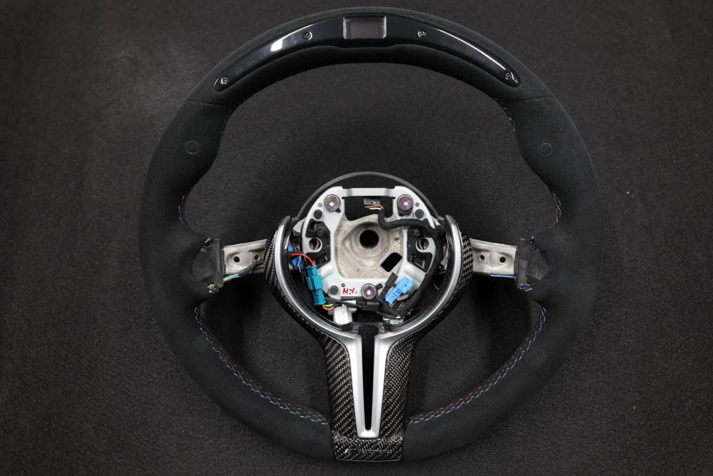 BMW F82/M4 & M Performanceステアリング+FTP MOTORSPORT+スポーツパッド+メッシュホース!!