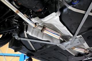 BMW E92/320 &『ワンオフマフラー』+『R/バンパー』!!