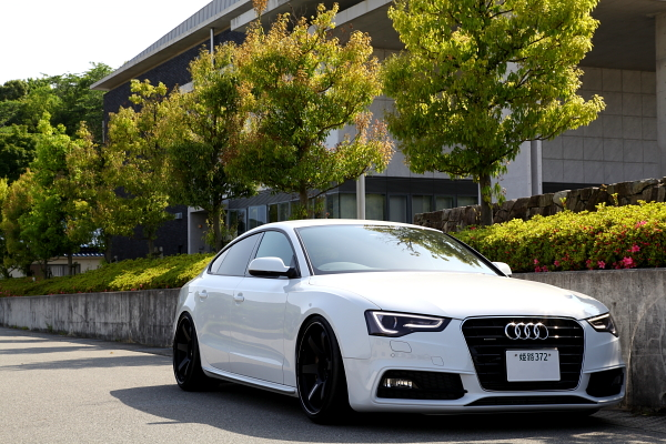 Audi A5/SB & オイル交換一式+RS5バンパー修正加工!!