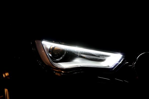 Audi A3/8V コーディング変更!!